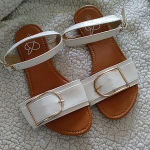 Shoes - Women's White Sandal